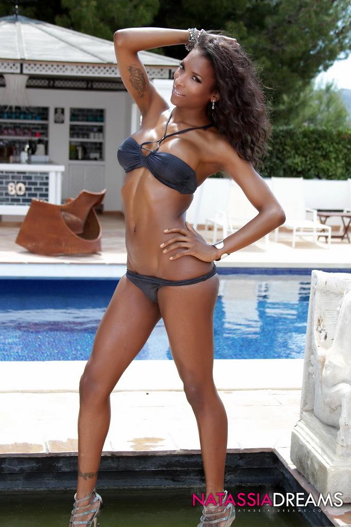 Beautiful Black Transexual Natassia Posing Her Butt