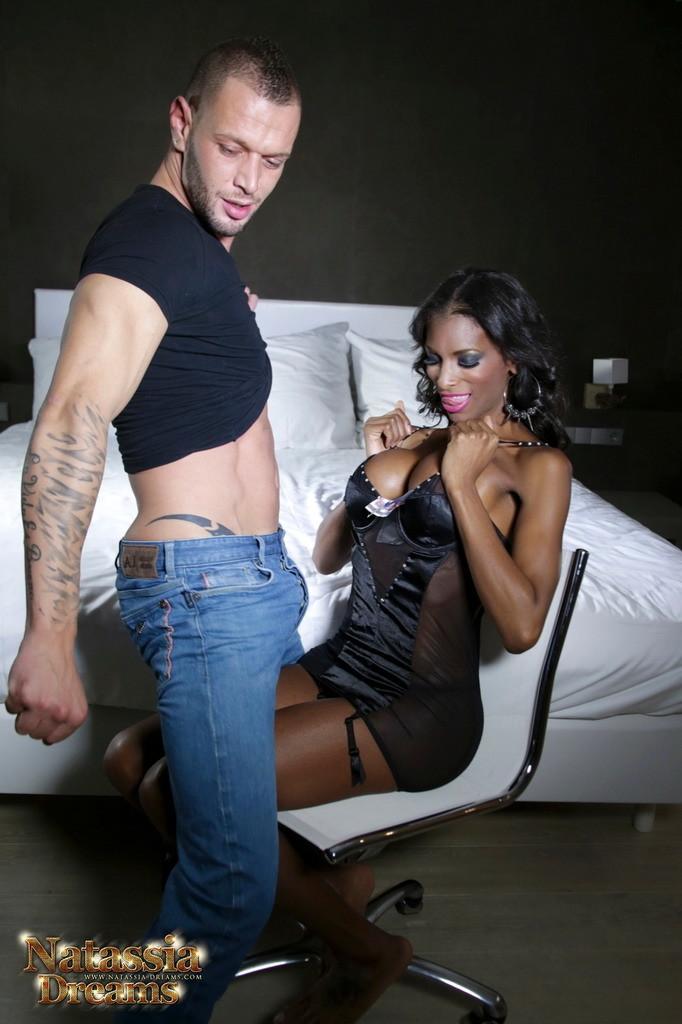 Black Beauty Natassia Nailing