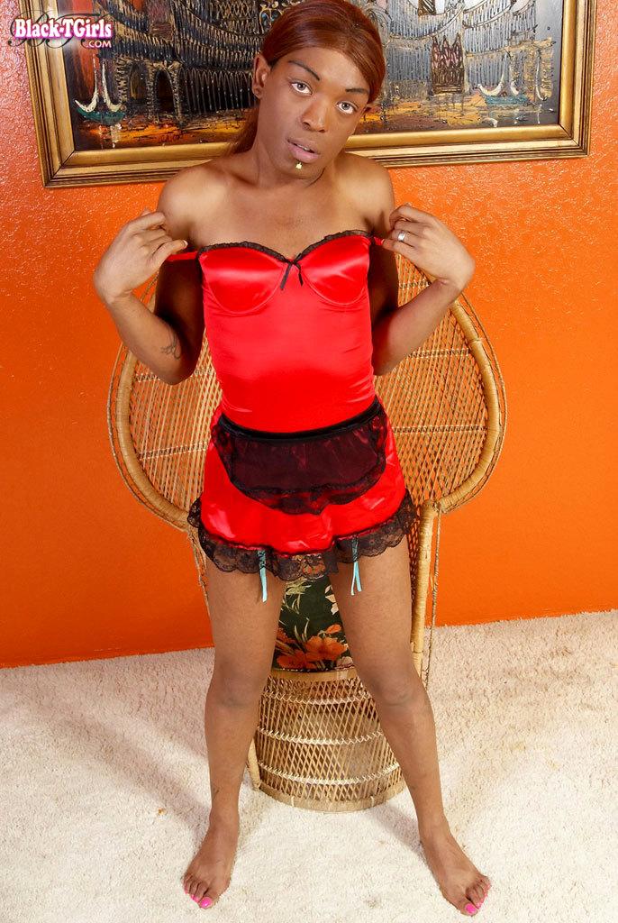 Black Hottie Who Enjoys Banging
