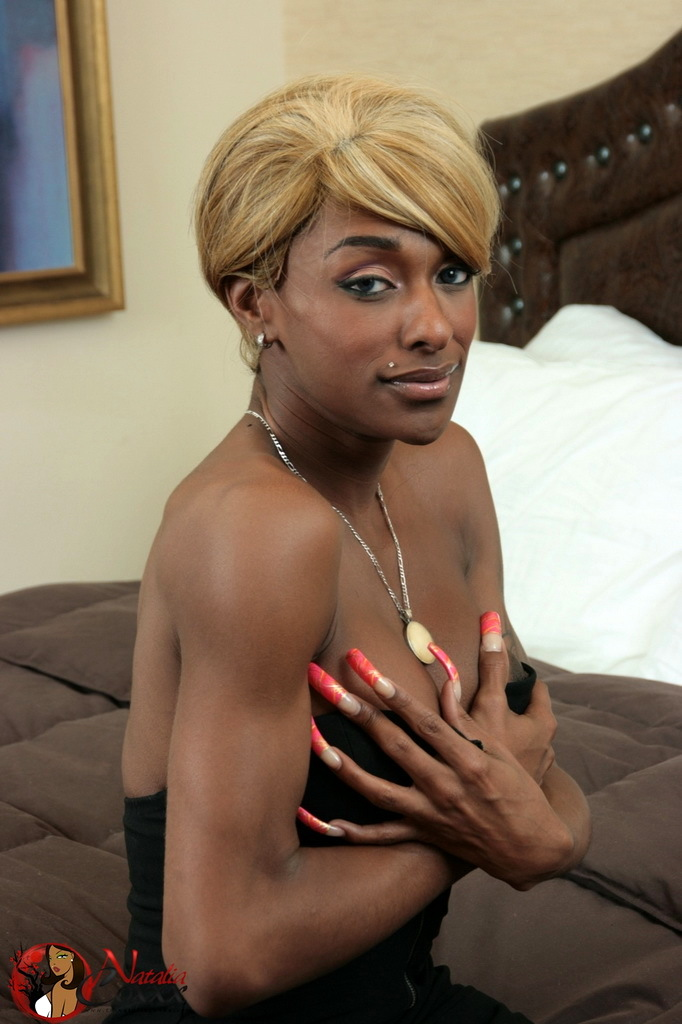 Blonde Ebony Femboy Natalia Coxxx Spreading Her Butt