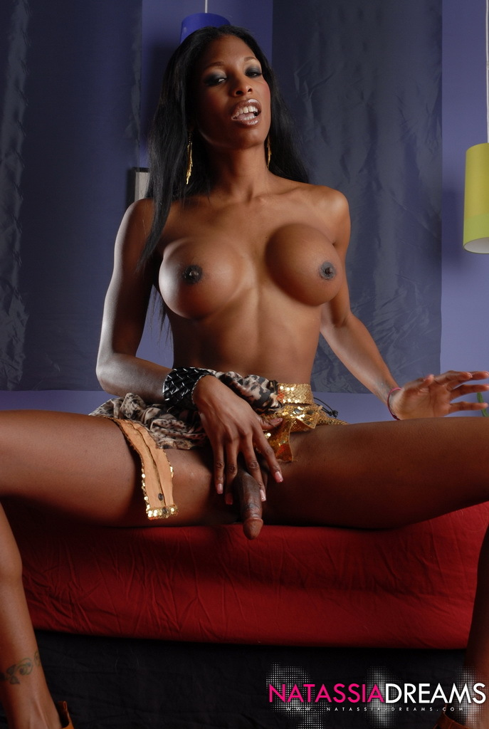 Ebony Hotness Natassia Fantasies Posing In Gold