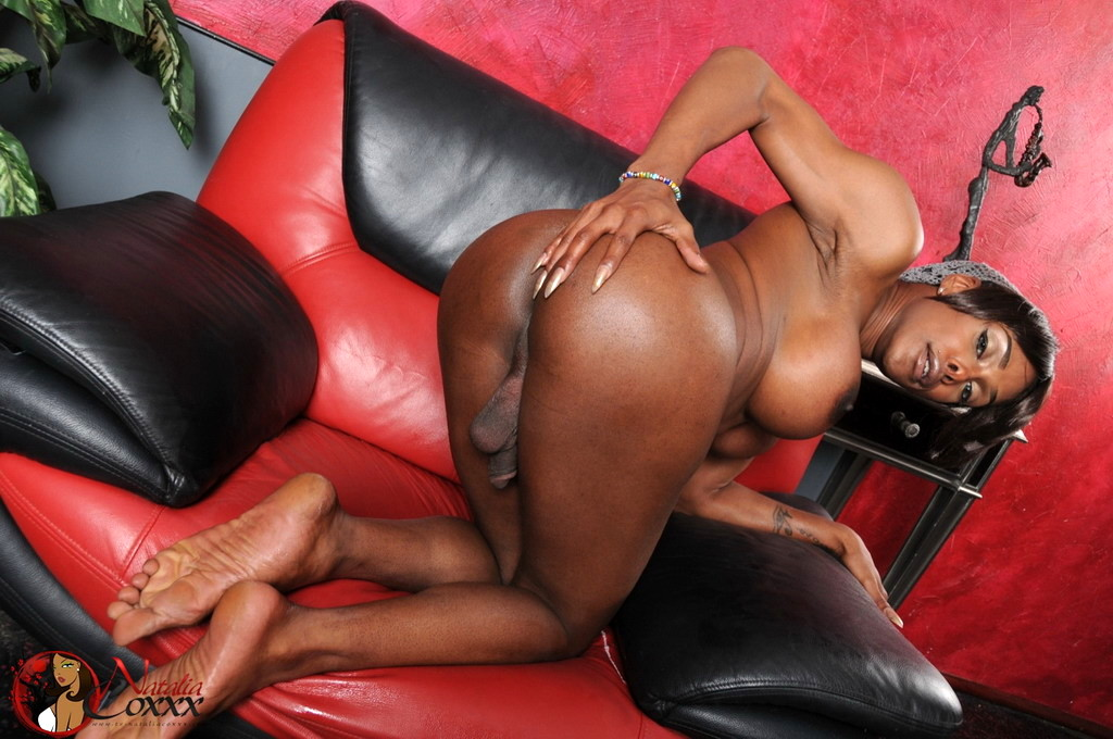 Ebony Natalia Spreads And Strokes