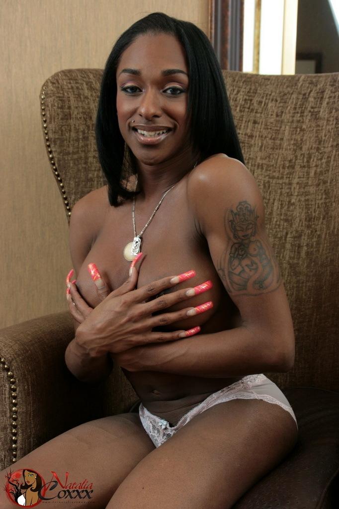 Flirtatious Chocolate Shemale Natalia Coxxx Posing Her Dick
