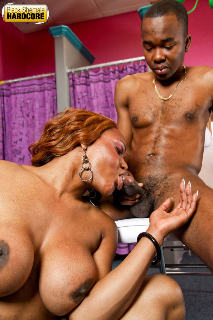 Smoking Arousing Ebony T Girl Gets Banged!