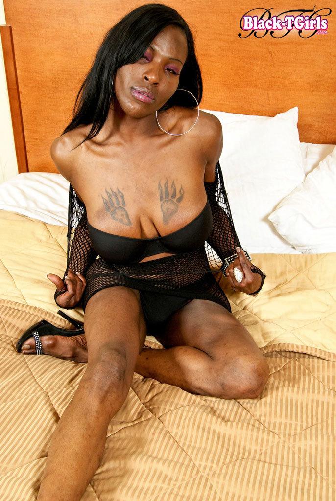 Smoking Beautiful Ebony Babe